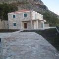 Blizikuce'de Ev, Karadağ da satılık havuzlu villa, Karadağ da satılık deniz manzaralı villa, Becici satılık müstakil ev