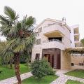 400 m² arsa üzerinde yer alan pitoresk Kamenari köyünde satılık harika villa.