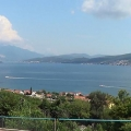 Beautiful villa overlooking the bay, 20 min by walk from Porto Novi is for sale.