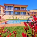 House for sale with an area of 300 m2 + 65 m2 roof terrace, located 650 meters from the sea.