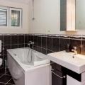 Becici'de deniz manzaralı bütün kat üç yatak odalı ev, Region Budva da ev fiyatları, Region Budva satılık ev fiyatları, Region Budva ev almak
