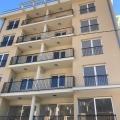 Becici, Budva Riviera, Karadağ'da satılık yeni bir konut kompleksi.