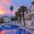 Kumbor şehrindeki dört yıldızlı otel, montenegro da satılık otel, montenegro da satılık işyeri, montenegro da satılık işyerleri