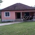 Danilovgrad'da büyük bir arsa ile satılık ev, Karadağ da satılık havuzlu villa, Karadağ da satılık deniz manzaralı villa, Cetinje satılık müstakil ev