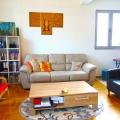 Budva'nın merkezinde satılık bir yatak odalı daire.