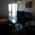 küçük bir apartmanda, rahat bir daire Satılık.