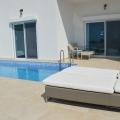 Krimovica'da Deniz Manzaralı Villa, Karadağ da satılık havuzlu villa, Karadağ da satılık deniz manzaralı villa, Becici satılık müstakil ev