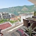 Kotor Körfezi'nin muhteşem manzarasına sahip şık 1 yatak odalı daire, Dobrota da satılık evler, Dobrota satılık daire, Dobrota satılık daireler
