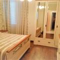 Dobrota'da havuzlu bir evde 3 yatak odalı deniz manzaralı daire, becici satılık daire, Karadağ da ev fiyatları, Karadağ da ev almak