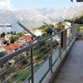 Dobrota'da havuzlu bir evde 3 yatak odalı deniz manzaralı daire, Karadağ satılık evler, Karadağ da satılık daire, Karadağ da satılık daireler