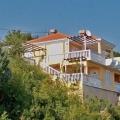 Die Villa bietet einen atemberaubenden Meerblick.