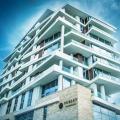 Satılık güzel iki katlı daire Budva Eski Şehir yakınında ve denize 50 metre.