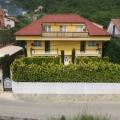 Sessiz ve yeşil alanda bulunan Lastva Grbalska, Satılık Villa.