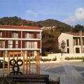 Karadağ'ın Tivat şehrinde yeni bir konut kompleksi içerisindedir.