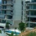 Dobrota, Kotor Körfezi, Karadağ'ın lüks ve modern bir kompleksi bulunan 64 metrekarelik yeni iki yatak odalı daire.
