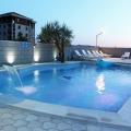 Beçiçi'de Yüzme Havuzlu Hotel, Kotor da Satılık Hotel, Karadağ da satılık otel, karadağ da satılık oteller