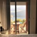 Boka Bay'de İki Yatak Odalı Deniz Manzaralı Daire, karadağ da kira getirisi yüksek satılık evler, avrupa'da satılık otel odası, otel odası Avrupa'da