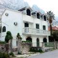 House for sale with an area of 160 m2 in Dobrota on the first line.