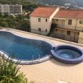 Yüzme havuzlu özel bir kompleks içinde iki yatak odalı daire. Becici, Karadağ, Karadağ satılık evler, Karadağ da satılık daire, Karadağ da satılık daireler