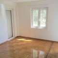 Petrovac'ta Üç Yatak Odalı Daire 3+2, becici satılık daire, Karadağ da ev fiyatları, Karadağ da ev almak