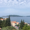 Panoramic apartment in Pržno overlooking the royal park and the sea.
