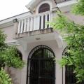 Kotor Körfesinde, Dobrota'da denize sıfır satılık Vila, Kotor-Bay satılık müstakil ev, Kotor-Bay satılık villa