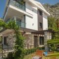Boka Koyu'nda Deniz Manzaralı Lüks Vila, Karadağ satılık ev, Karadağ satılık müstakil ev, Karadağ Ev Fiyatları