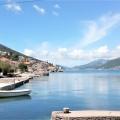 Lustica yarımadasının Krasici köyünde denize sadece 10 metre uzaklıkta toplam 115 m2 alana sahip 3 stüdyo daire.