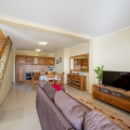 Krimovica'da Güzel Ev, Karadağ da satılık havuzlu villa, Karadağ da satılık deniz manzaralı villa, Becici satılık müstakil ev