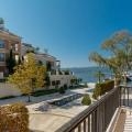 Tivat, Karadağ sahildeki satılık lüks daire.