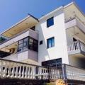 Toplam 192 m2 alana sahip Ulcinj'de satılık yeni müstakil ev 468 m2'lik bir arsa.