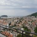 Budva, Karadağ'da satılık penthouse.