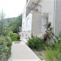 Budva Rivierası'nın güzel plajında deniz manzaralı lüks villa, Becici satılık müstakil ev, Becici satılık müstakil ev, Region Budva satılık villa