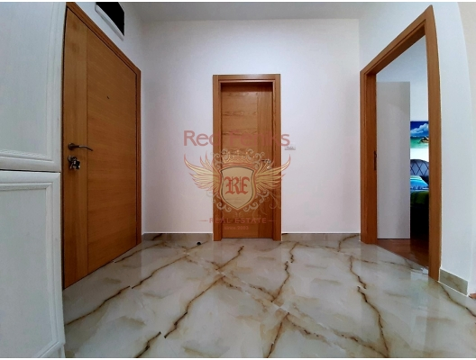 Tivat'ta Deniz Manzaralı Satılık İki Yatak Odalı Daire, becici satılık daire, Karadağ da ev fiyatları, Karadağ da ev almak