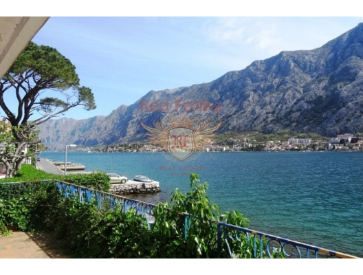 House on the front line in Muo, Dobrota house buy, buy house in Montenegro, sea view house for sale in Montenegro