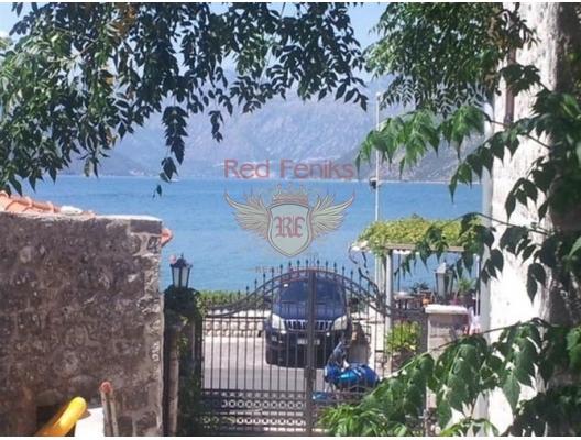 Montenegro Sahilinde Kotor Körfezinde Tarihi Yapı Kalıntısı, Karadağ Villa Fiyatları Karadağ da satılık ev, Montenegro da satılık ev, Karadağ satılık villa