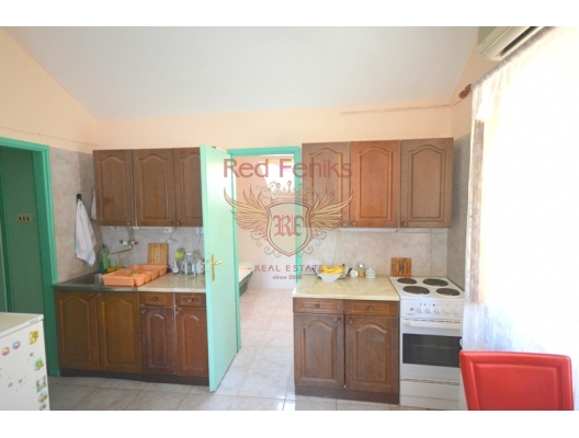 Two bedroom apartment in Stoliv, Kotor bay, apartment for sale in Kotor-Bay, sale apartment in Dobrota, buy home in Montenegro
