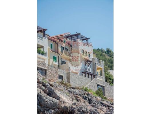 Lustica yarımadasında lüks kompleks, Montenegro da satılık emlak, Krasici da satılık ev, Krasici da satılık emlak
