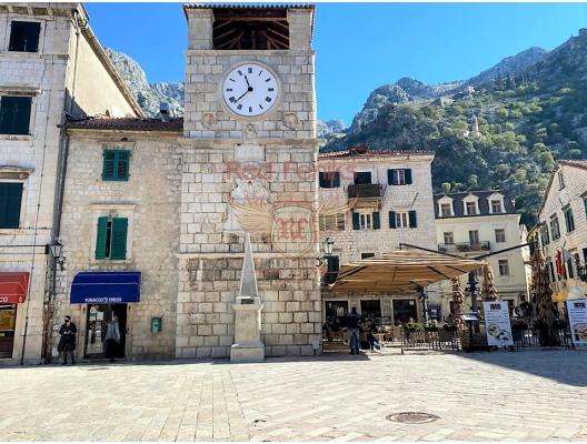 Kotor'da tadilat evi, Karadağ satılık ev, Karadağ satılık müstakil ev, Karadağ Ev Fiyatları