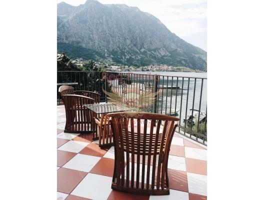Three-storey villa with a beach and a pier on the Adriatic coast, Karadağ Villa Fiyatları Karadağ da satılık ev, Montenegro da satılık ev, Karadağ satılık villa