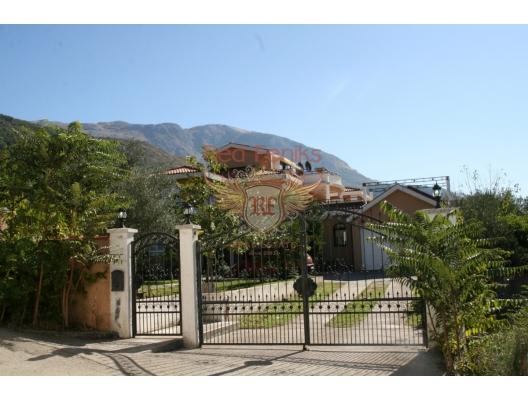 Kavac'da Tripleks Villa, Karadağ satılık ev, Karadağ satılık müstakil ev, Karadağ Ev Fiyatları