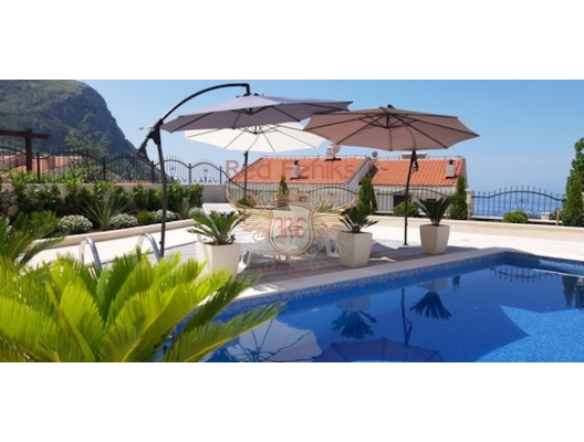 Villa with Panoramic Mountain and Sea Views, Becici satılık müstakil ev, Becici satılık müstakil ev, Region Budva satılık villa