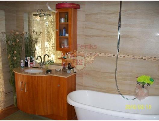 Igalo'da Villa, Herceg Novi satılık müstakil ev, Herceg Novi satılık müstakil ev