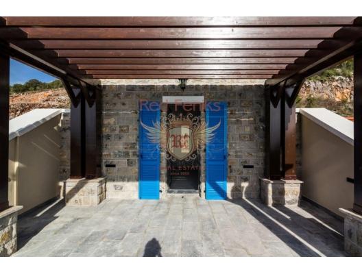 Lustica yarımadasında lüks kompleks, Karadağ da satılık ev, Montenegro da satılık ev, Karadağ da satılık emlak