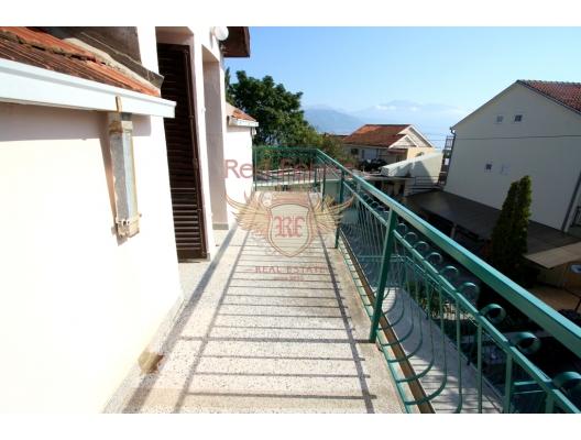 Baosici'de ayrı daireler ile güzel bir ev, Baosici satılık müstakil ev, Baosici satılık müstakil ev, Herceg Novi satılık villa
