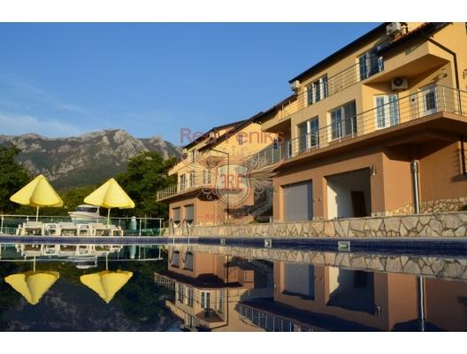 Bir tatil köyü kompleksinde daire, Karadağ satılık evler, Karadağ da satılık daire, Karadağ da satılık daireler