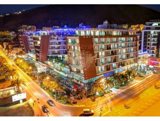 Budva'da TQ Plaza'daki 4 * otel satılık ticari binalar, Karadağ da satılık işyeri, Karadağ da satılık işyerleri, Budva da Satılık Hotel