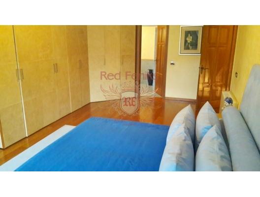 Budva'da lüks villa, Karadağ da satılık havuzlu villa, Karadağ da satılık deniz manzaralı villa, Becici satılık müstakil ev