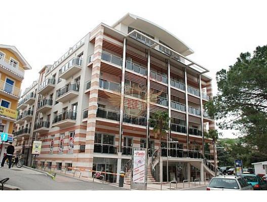 Igalo'da daireler, birinci Hat, Kotor-Bay da ev fiyatları, Kotor-Bay satılık ev fiyatları, Kotor-Bay ev almak