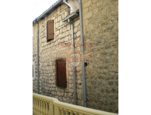 Kotor'da Denize Sıfır Taş Ev, Karadağ da satılık havuzlu villa, Karadağ da satılık deniz manzaralı villa, Dobrota satılık müstakil ev